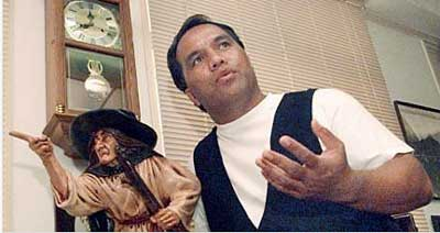 Lopaka Kapanui professional storyteller and ghost story teller at the 2008 Talk Story Storytelling Festival in Hawaii.